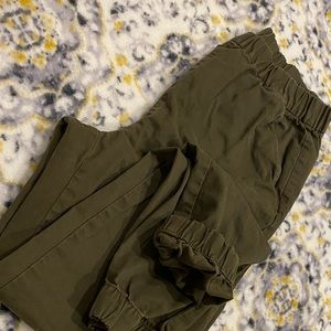 Womans jogger olive green